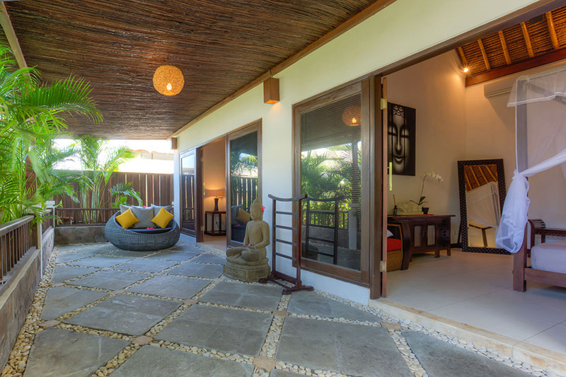 Villa kipas photo gallery luxury private bali villas for Terrace upstairs